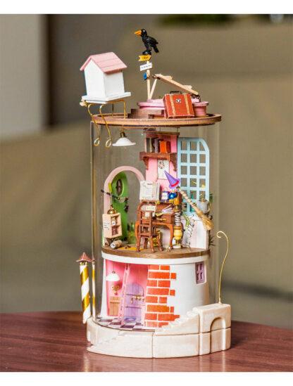 Ляльковий будиночок під склом Robotime DS003 Secluded Neighbor DIY «Відлюдний сусід»
